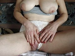big clit pussy squirts