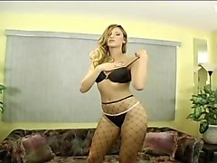 amateur wife dancing and strips for friends