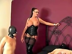 wife fucked in swinger club