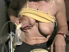A short video of me milking my breast!