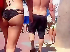 Nice round ass at the beach part 2