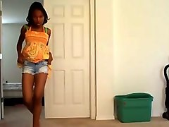 ebony webcam dancing