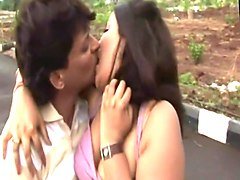 Doctor Aur Yamraj - Boobs Play And Ass Play In Road