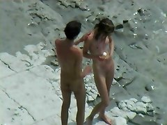 hidden vid of french couple on the beach part